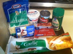 garlic bread pizza ingredients